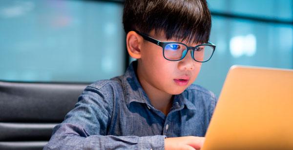 Cómo afecta la iluminación artificial al estado de ánimo de los estudiantes